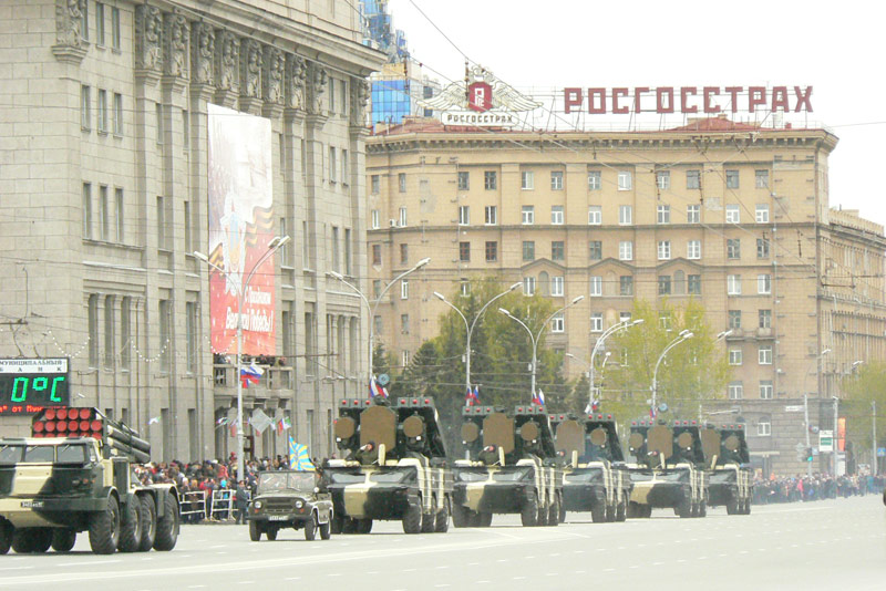 военный парад 9 мая 2011 в Новосибирске
