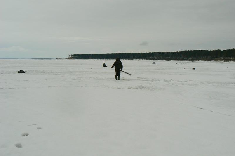 Обское море. 25 марта 2012. Рыбаки